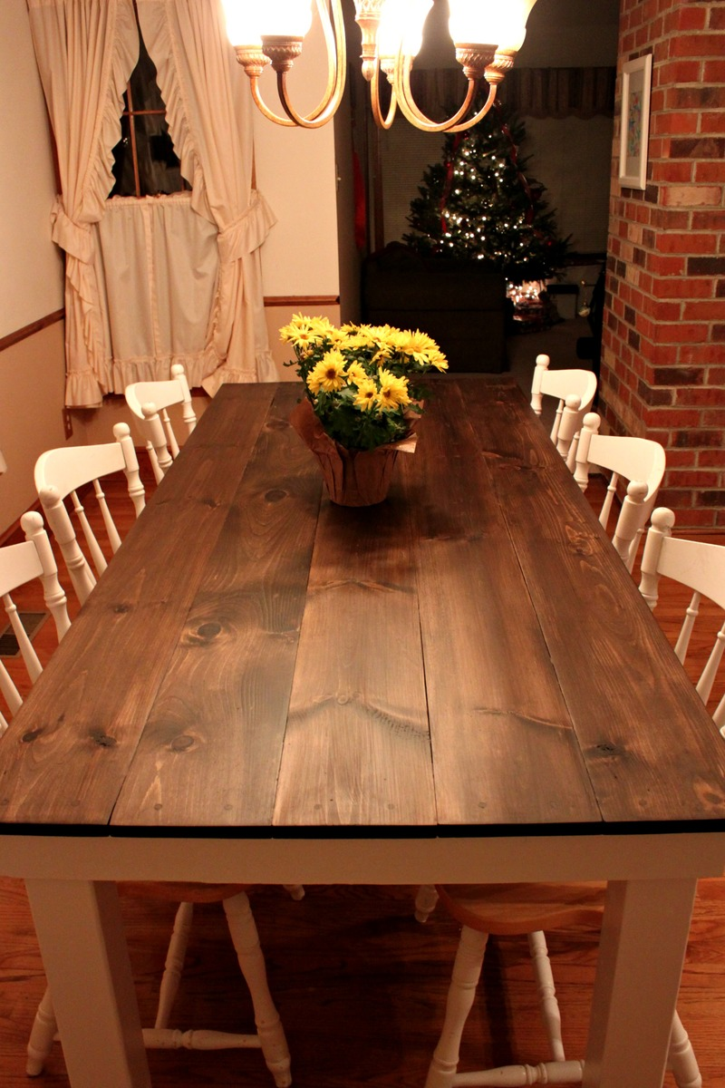 Kitchen Table: Farmhouse Table - DIY Projects