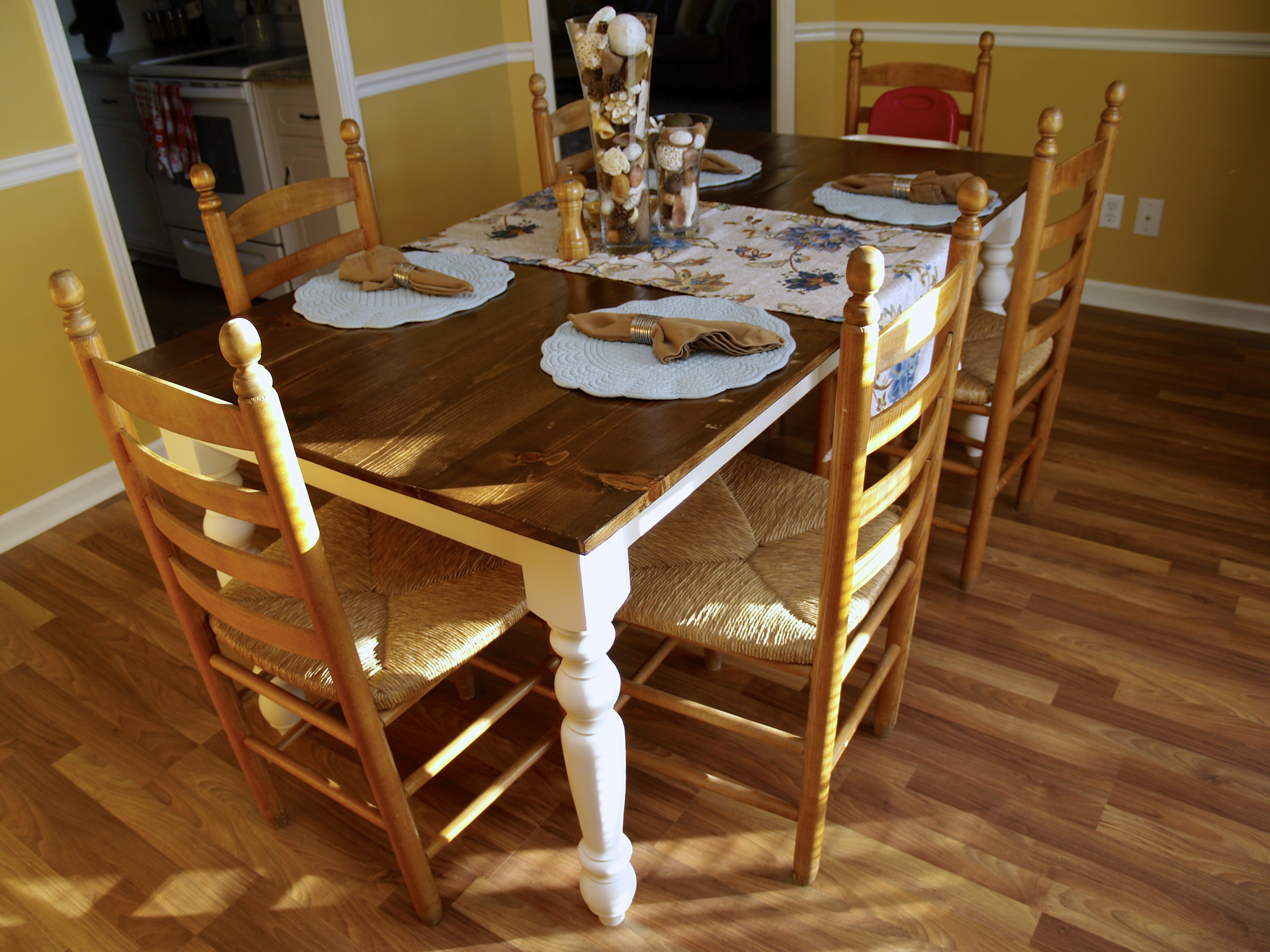 Ana White Turned Leg Farmhouse Table 6 X 3 Diy Projects