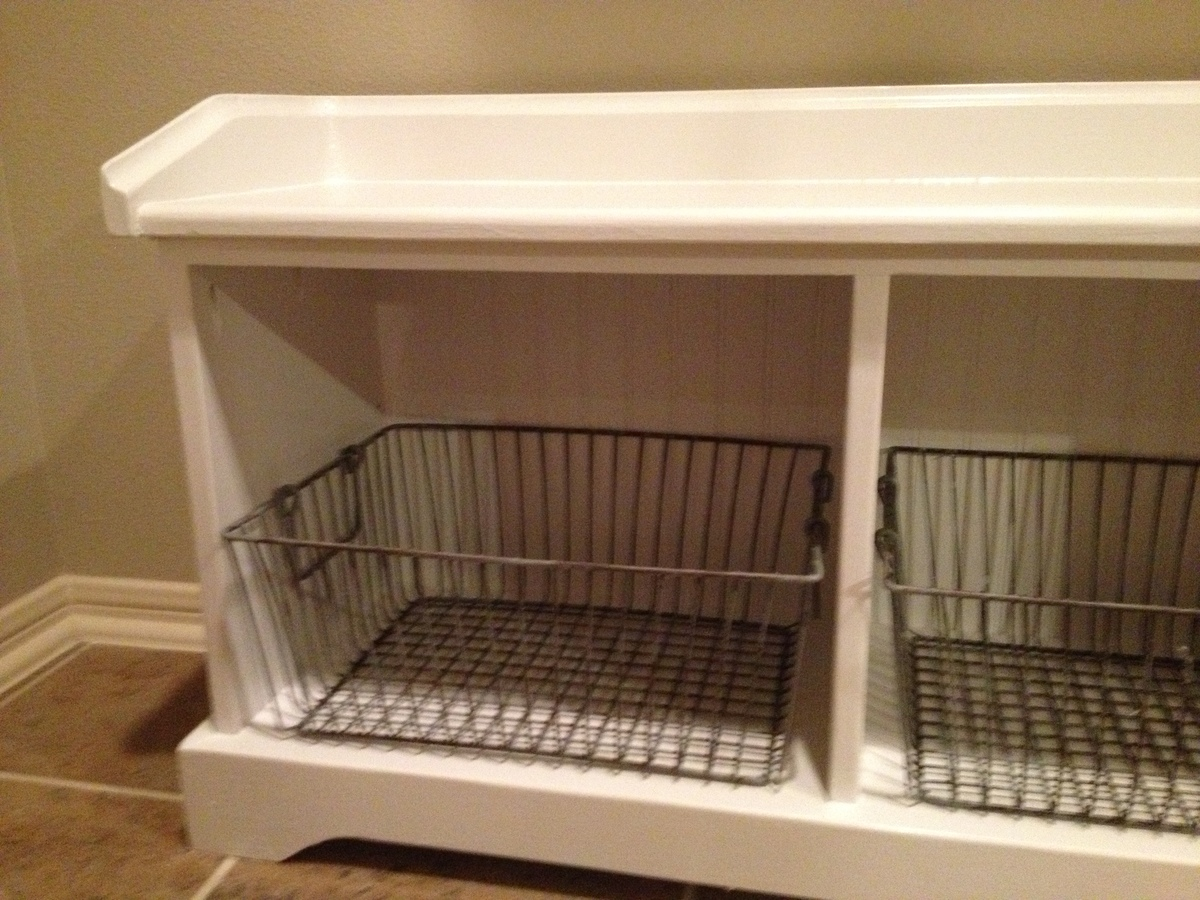 Ana White My White Mudroom Bench Diy Projects