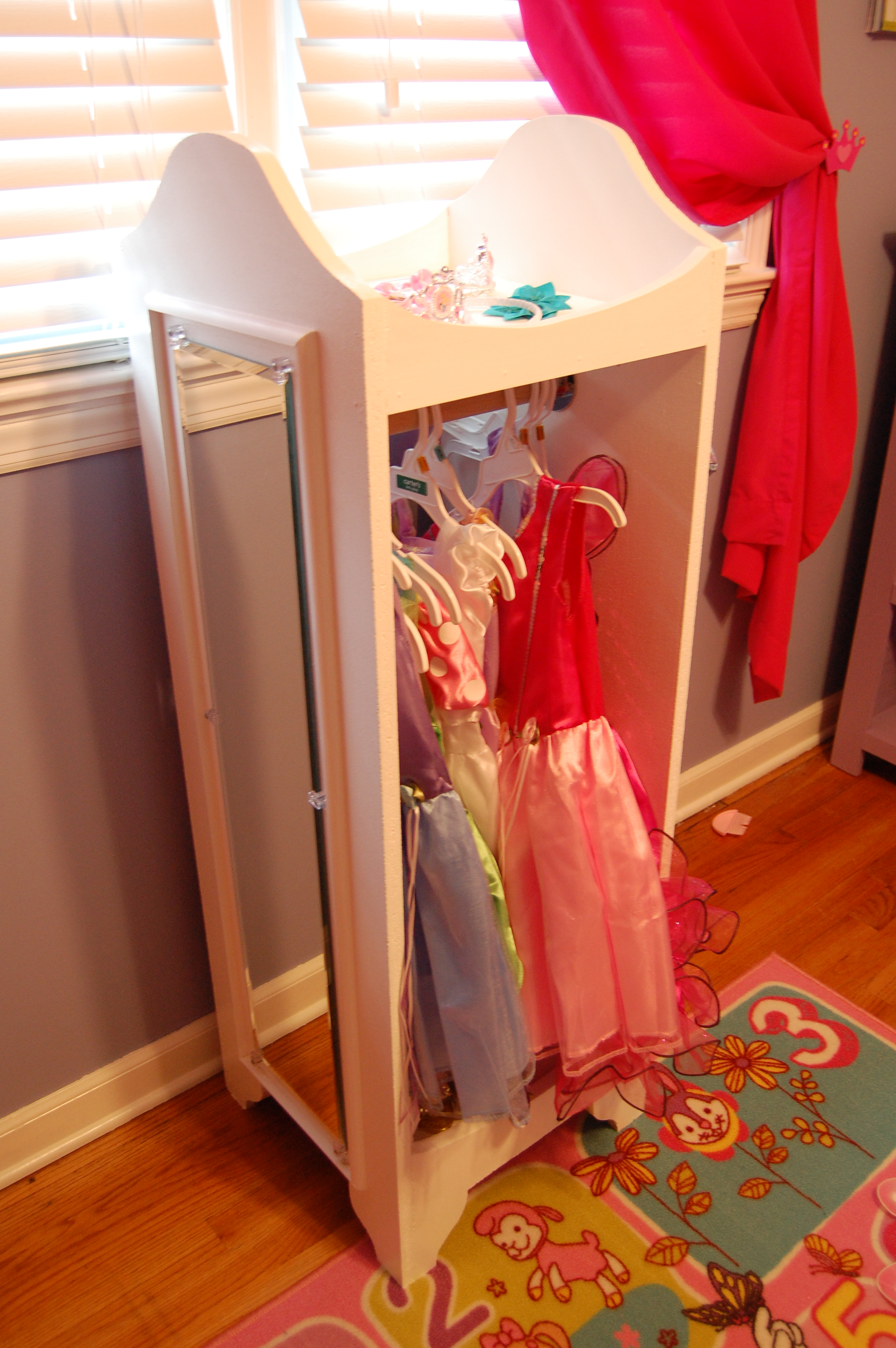 ana white dress up tower diy projects. Black Bedroom Furniture Sets. Home Design Ideas