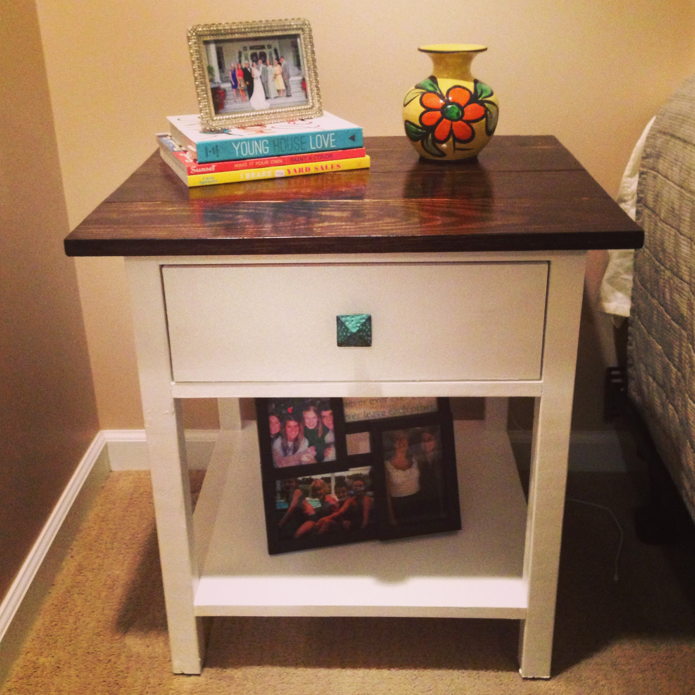 Ana White   Farmhouse Bedside Tables 2 toned - DIY Projects