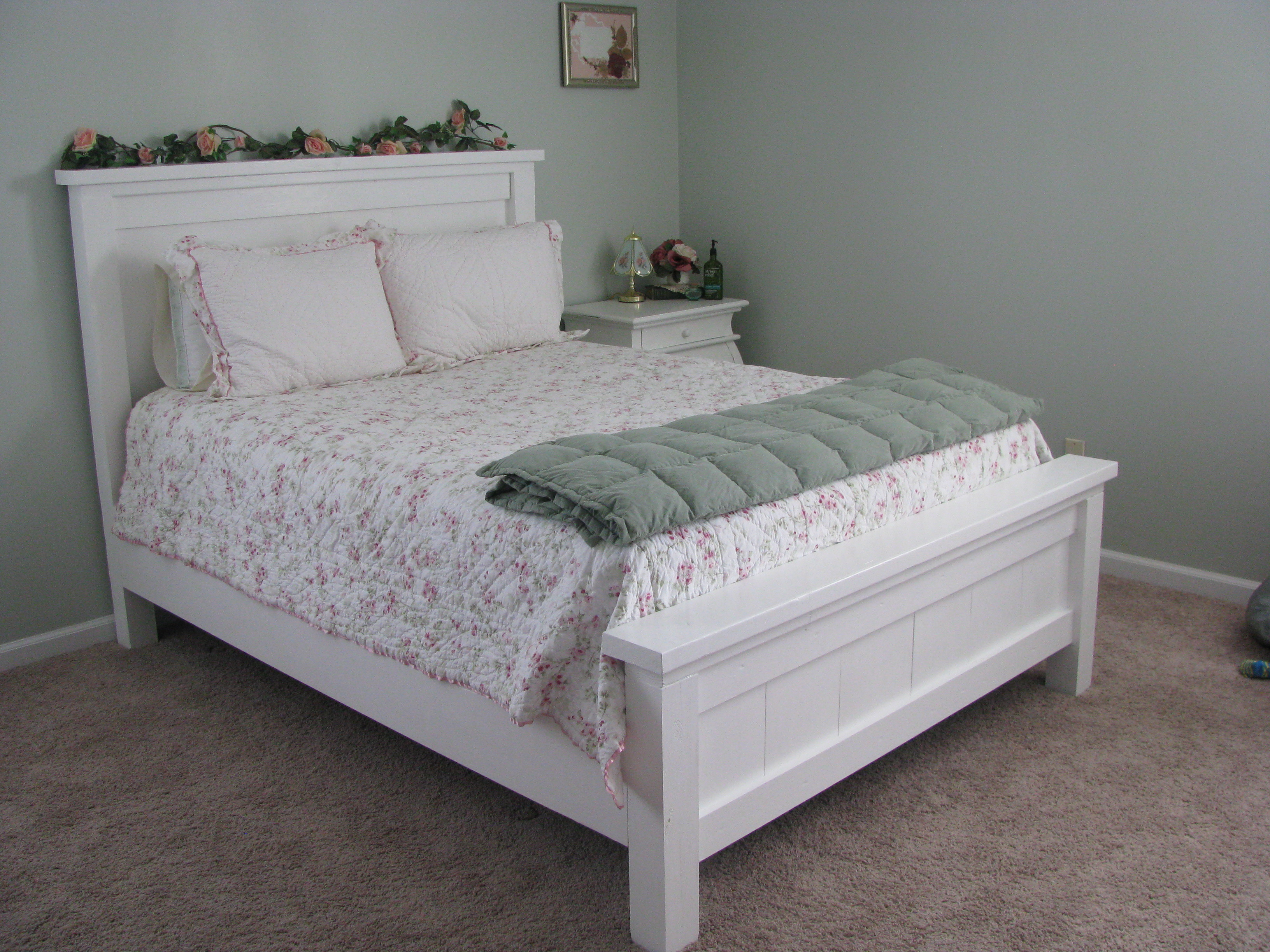 Ana White Shabby Chic Farmhouse Bed Diy Projects