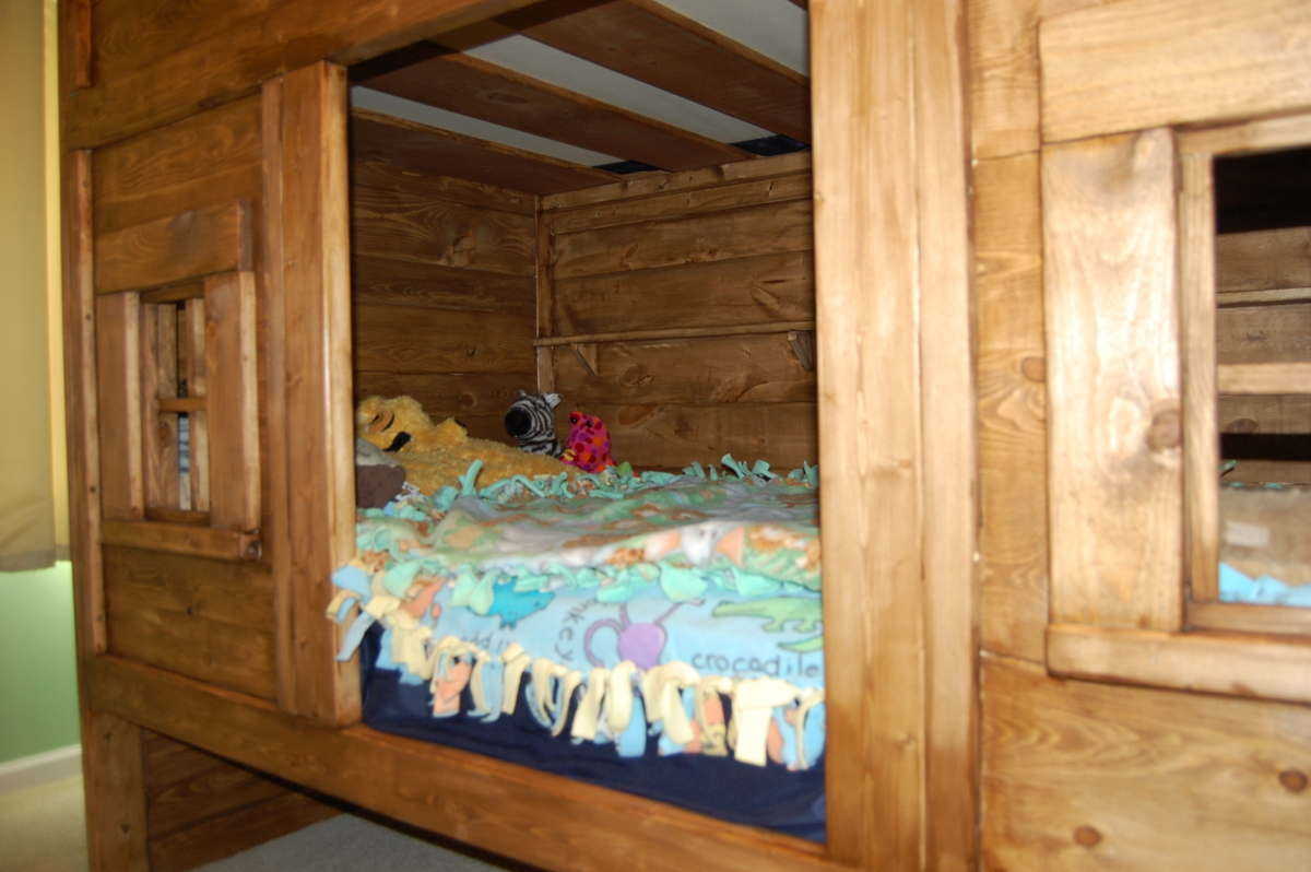 Ana White | Rustic Cabin Bunk Bed - DIY Projects