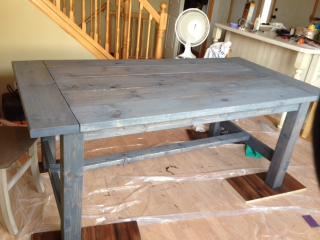 Grey Stain Farmhouse Table Arm Designs