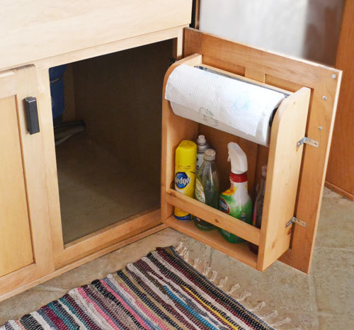 Free Plans To DIY A Kitchen Cabinet Door Organizer For Paper Towels
