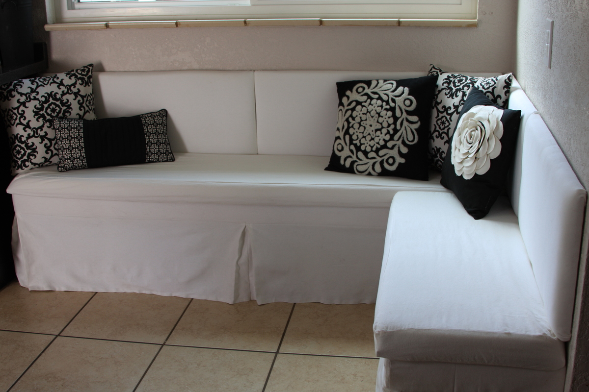 Banquette Seating - DIY Projects