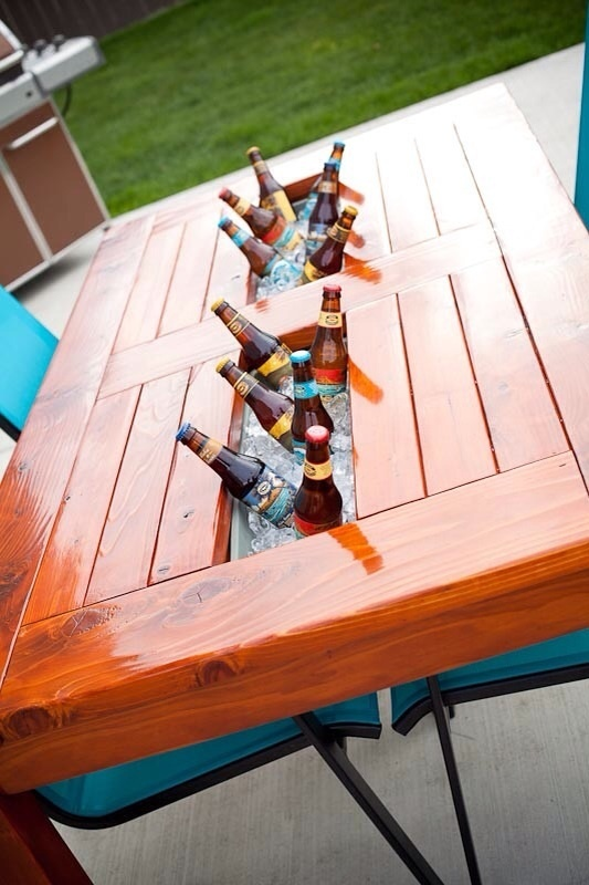 How To Make A Diy Patio Table With Built In Beer Wine Cooler Pictures ...