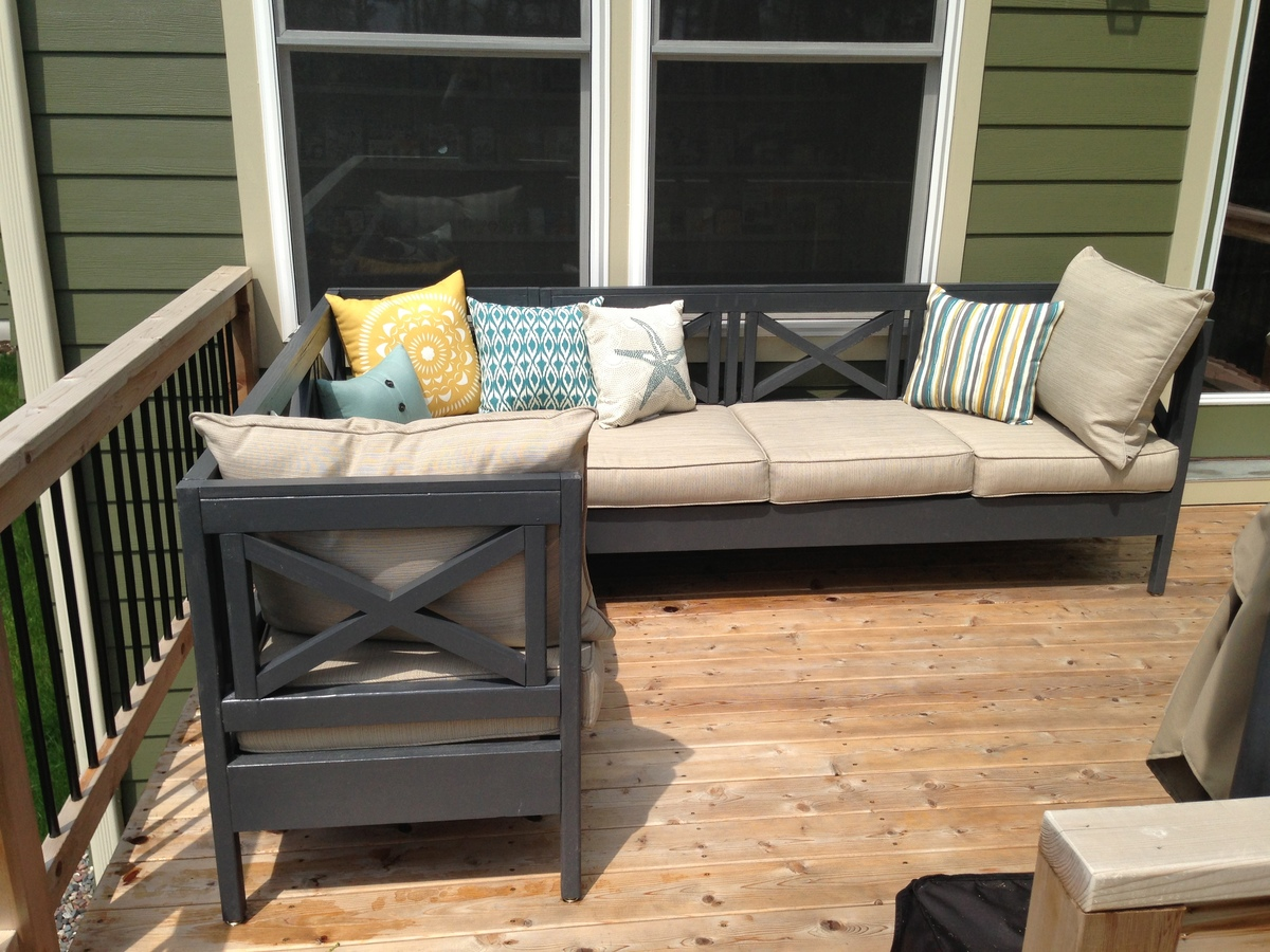 Superior Weatherly Patio Sectional Seats 6