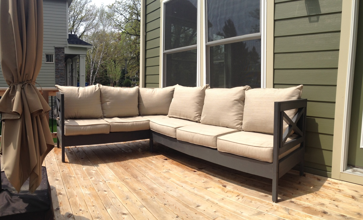 Weatherly Patio Sectional Seats 6