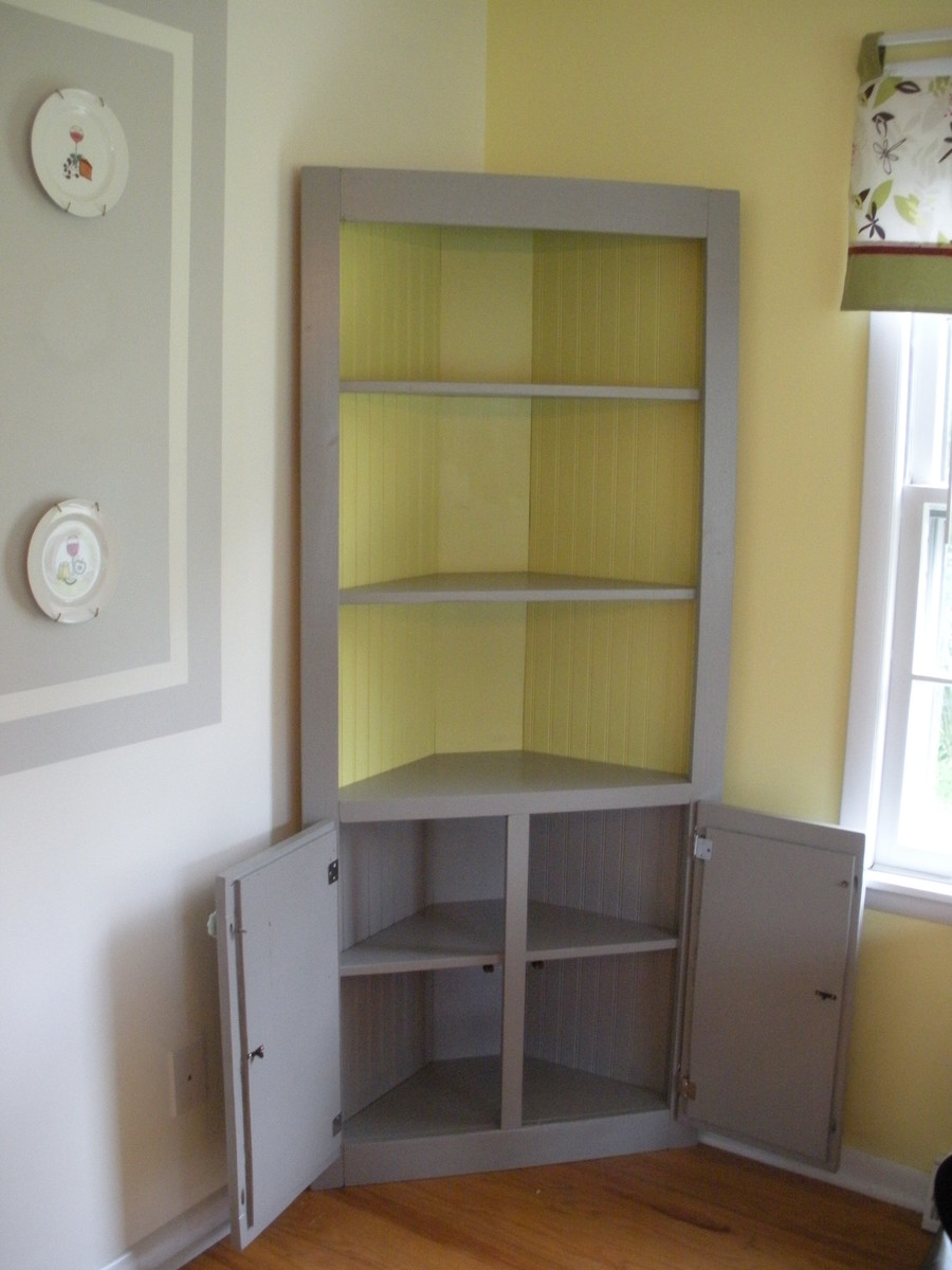 Ana white cute corner cabinet diy projects for Build your own corner bookcase