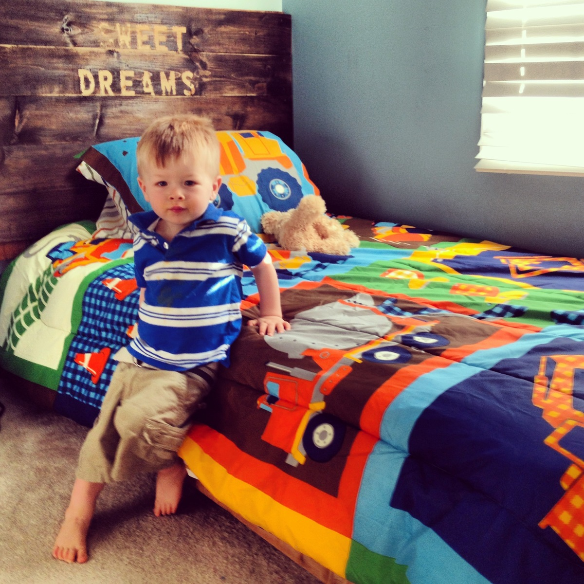 ana white  platform bed for my toddler  diy projects - additional photos