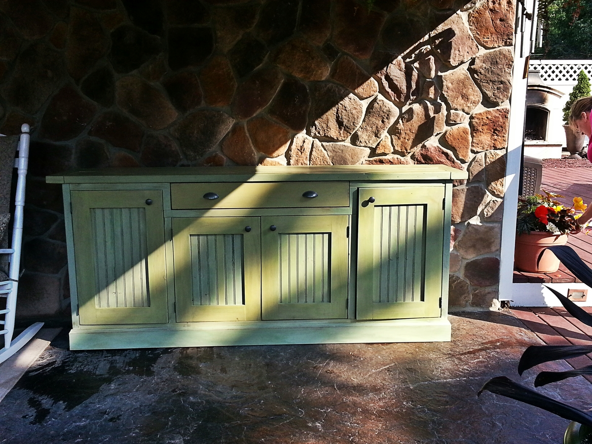 Rustic Sideboard - DIY Projects