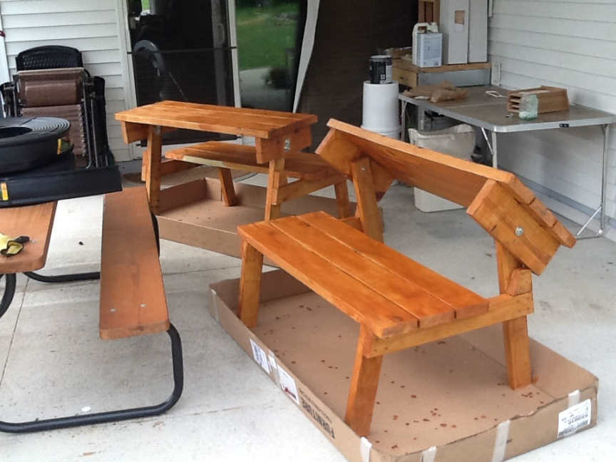 PICNIC TABLE THAT CONVERTS TO BENCHES ~ Cedar Finish