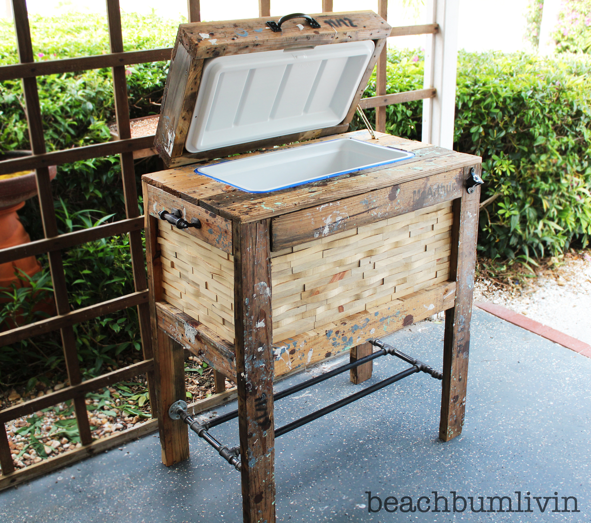 Ana white rustic wood cooler box made from pallets diy projects - How to make rustic wood furniture ...