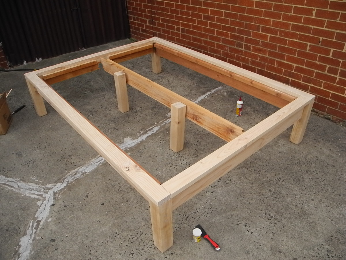 Build a queen size platform bed on the cheap, with storage space ...