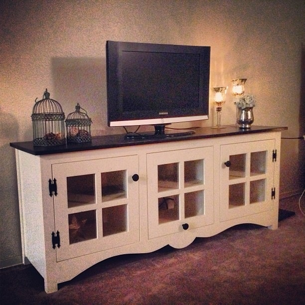 Ana white farmhouse media console diy projects - Media consoles for small spaces plan ...