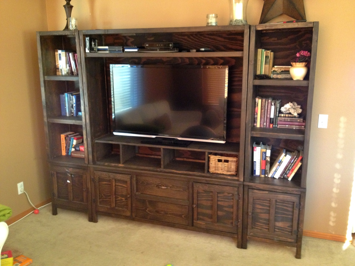 Ana white entertainment center diy projects entertainment center solutioingenieria Image collections