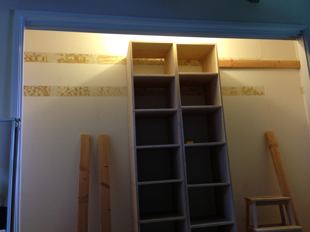 Custom Closet Organizer based on One-Piece Plywood plans
