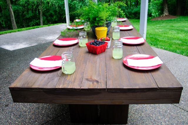 Ana white modern outdoor patio table diy projects modern outdoor patio table that is easy to build this table could easily work with benches or chairs for more information and tons more photos go to watchthetrailerfo