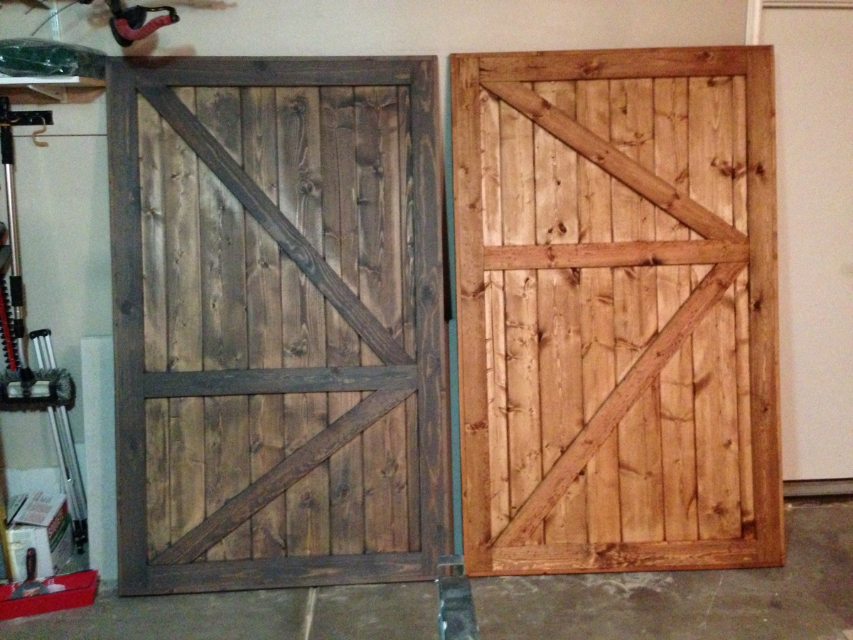 Ana white barn door closet doors diy projects for Barn door pictures