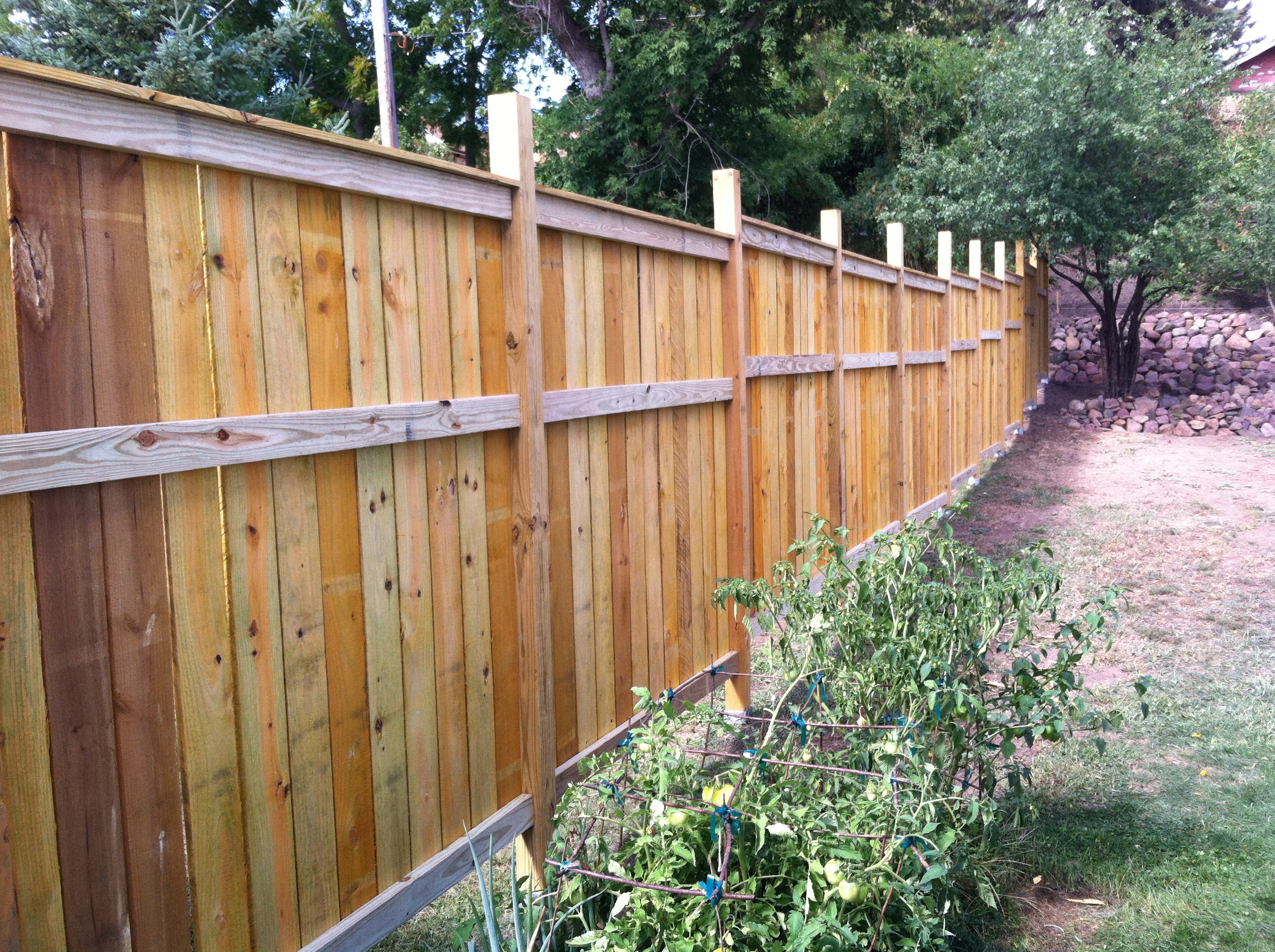 Do It Yourself House Plans: My Cedar Fence--thank You! - DIY Projects