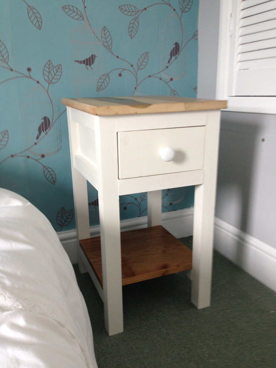 Diy Small Bedside Tables: First Build Bedside Table - DIY Projects
