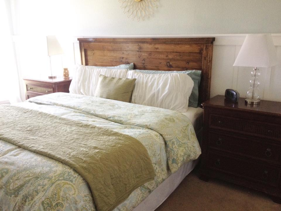 Ana white king farmhouse headboard diy projects for Do it yourself headboard