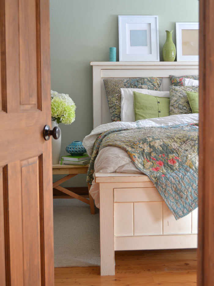farmhouse bedroom furniture. I have since made several Farmhouse beds  and am always very happy with this particular furniture plan spent a total of 120 on bed Ana White Bed Queen Sized DIY Projects