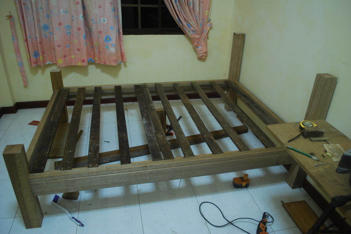 Ana White Queen Size Slat Bed Diy Projects