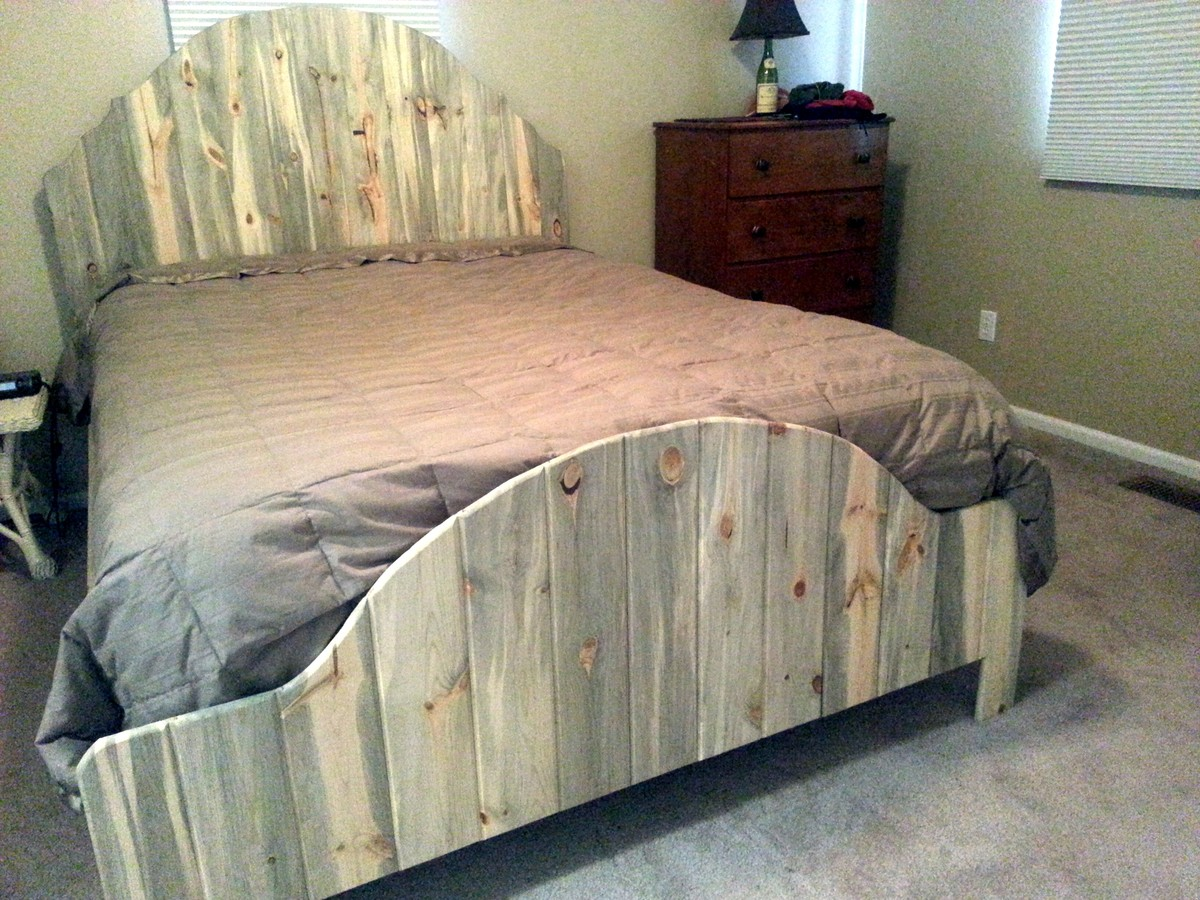 Beetle Kill Pine Queen Bed Ana White