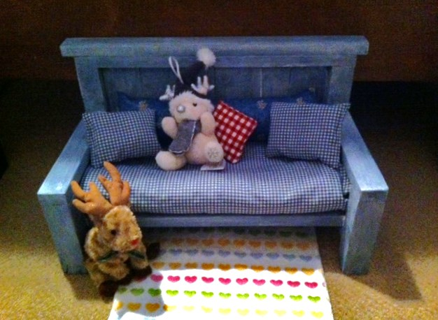 Ana white american girl doll couch diy projects solutioingenieria Images