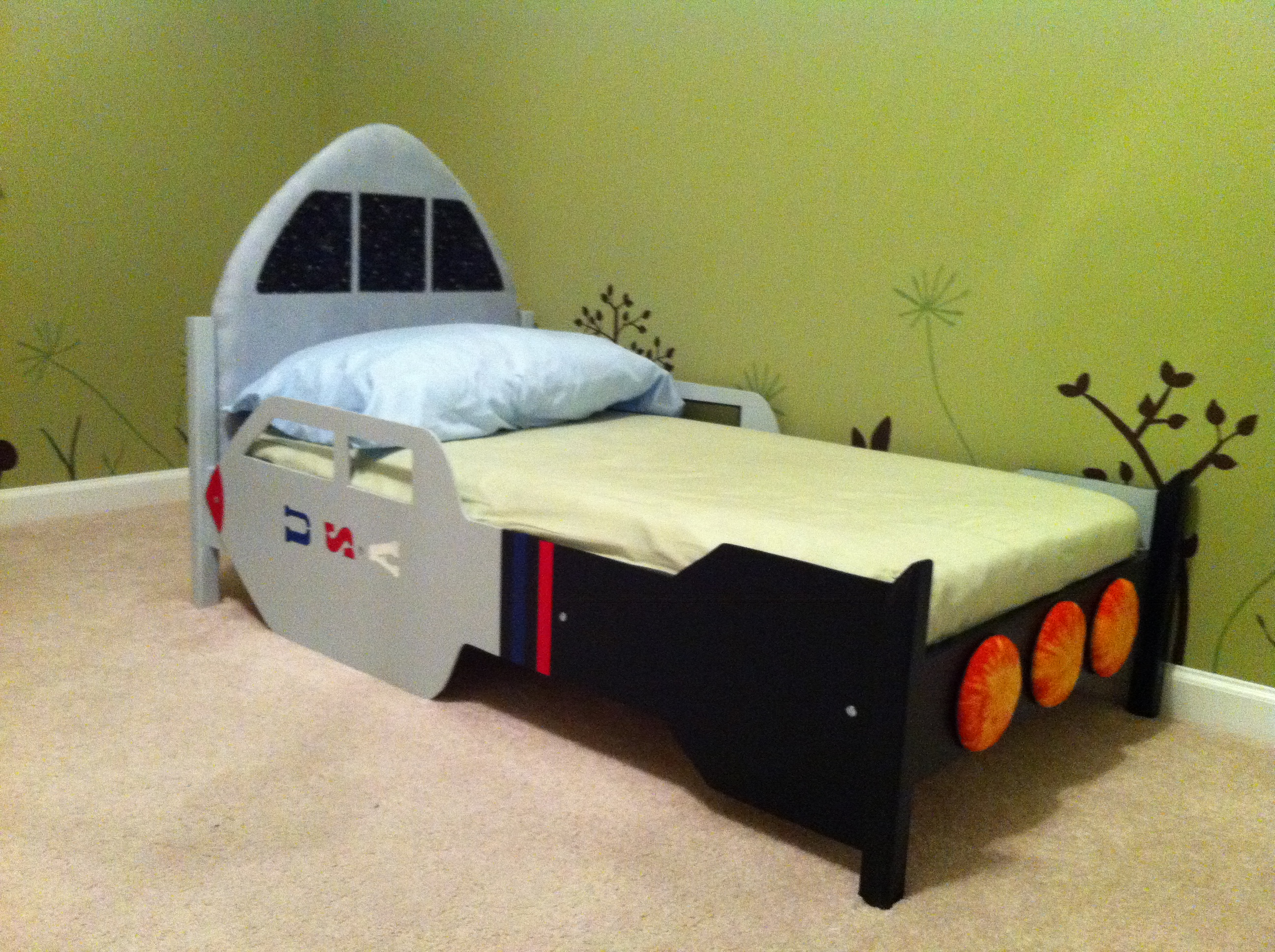 Picture of: Rocketship Toddler Bed Ana White
