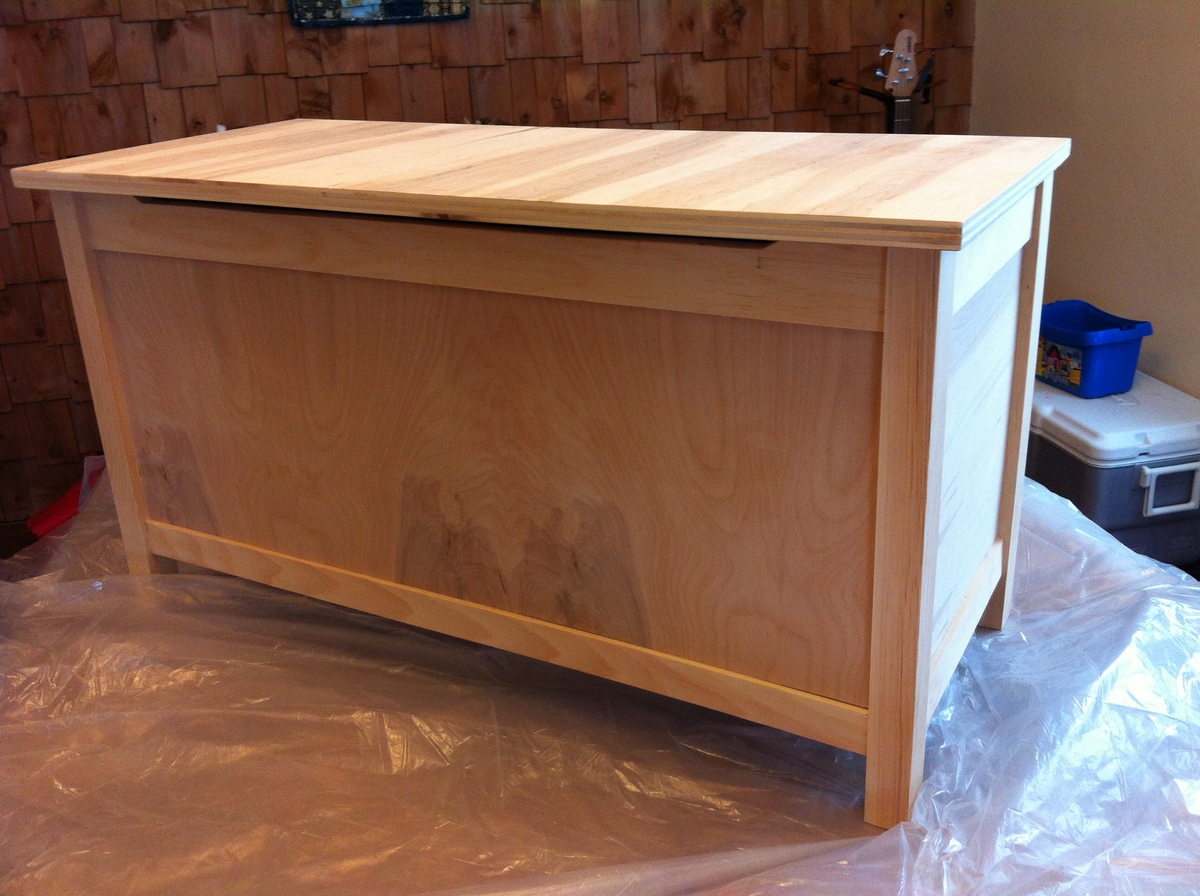 ana white  simple modern toy box with lid  diy projects - simple modern toy box with lid