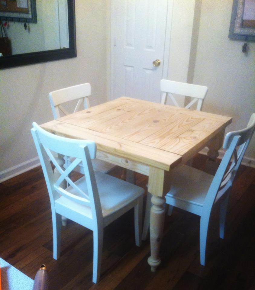 Ana white square turned leg farmhouse kitchen table diy for Farmhouse style kitchen table