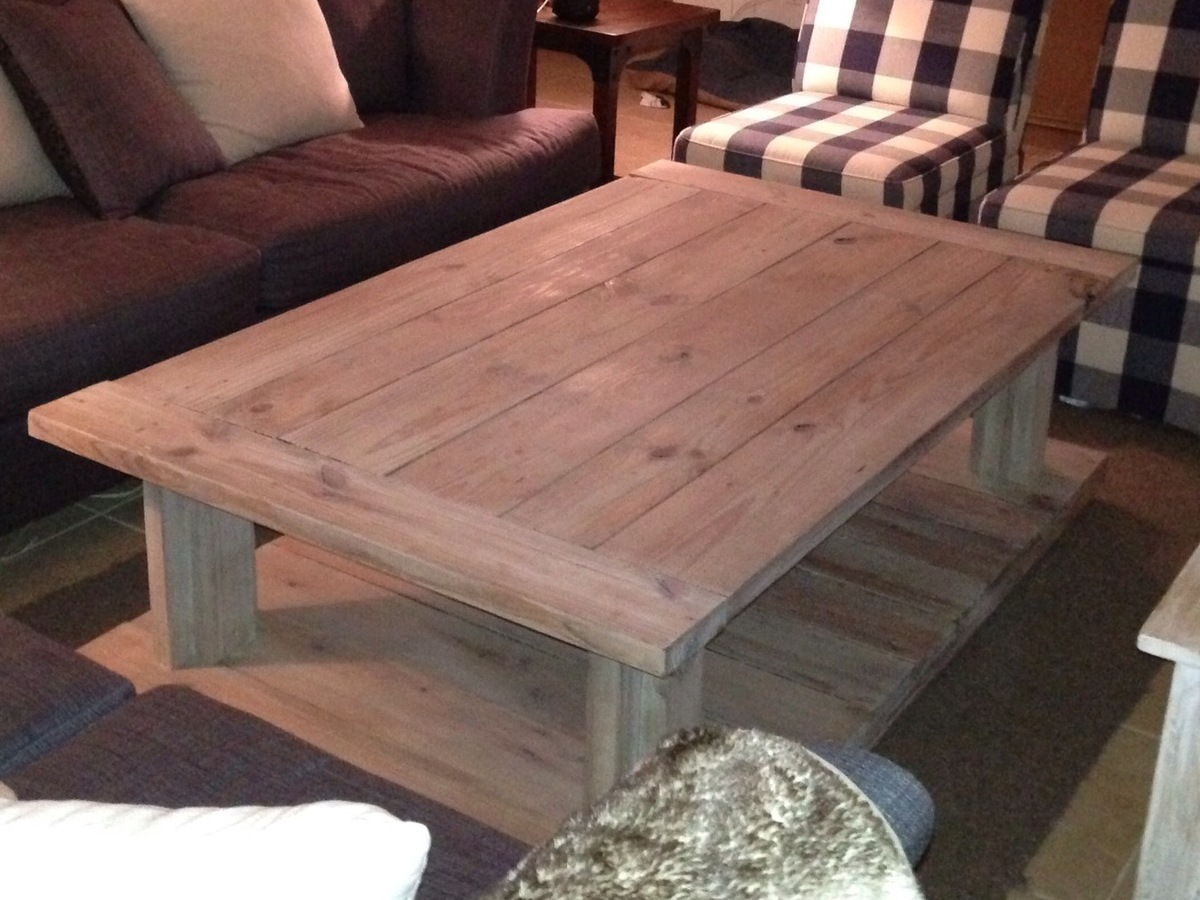 Ana white farmhouse coffee table diy projects Farmhouse coffee tables