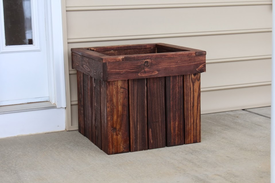 Planter Box from Pallets | Do It Yourself Home Projects from Ana White