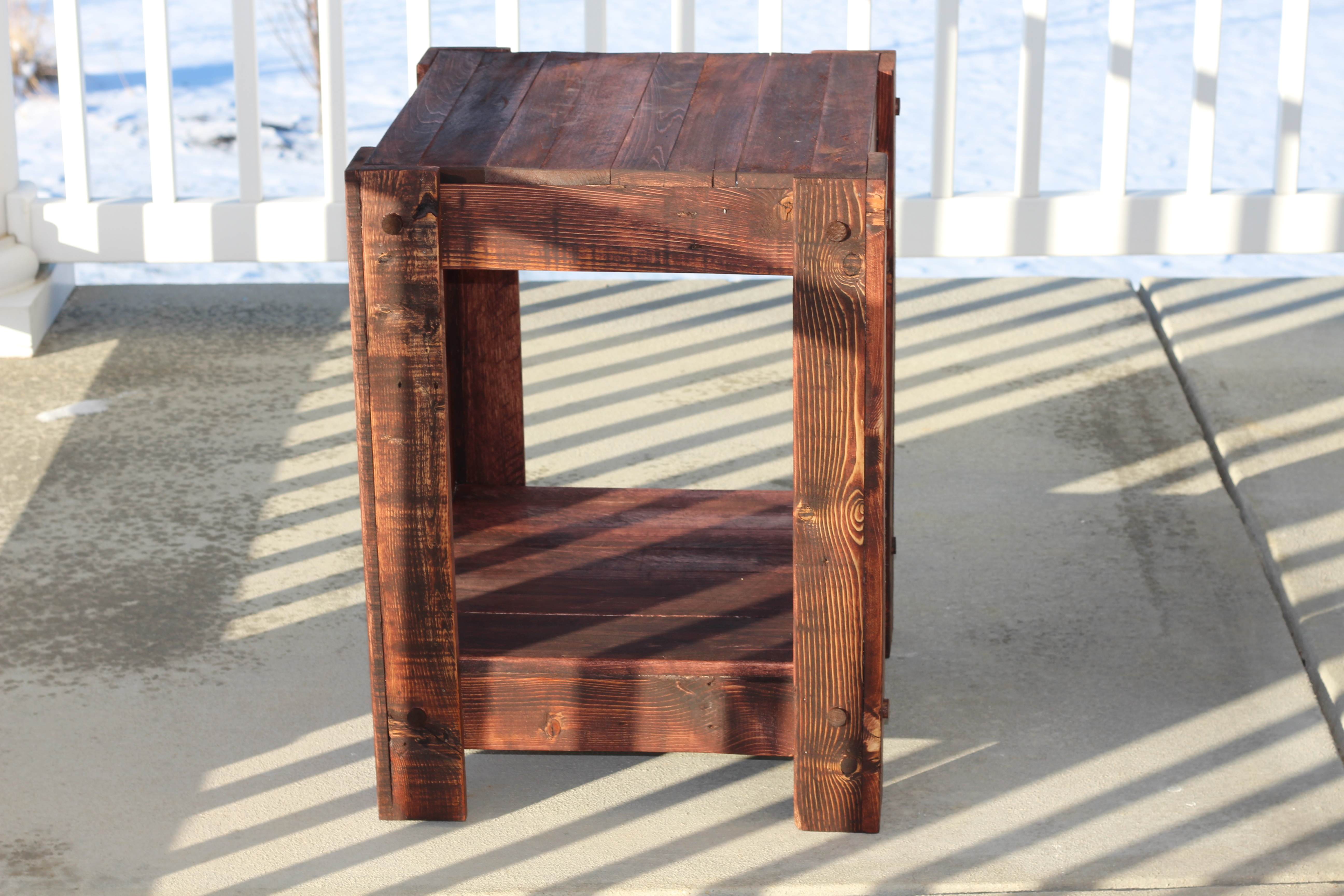 Merveilleux End Table Made From Pallets (plans Included)