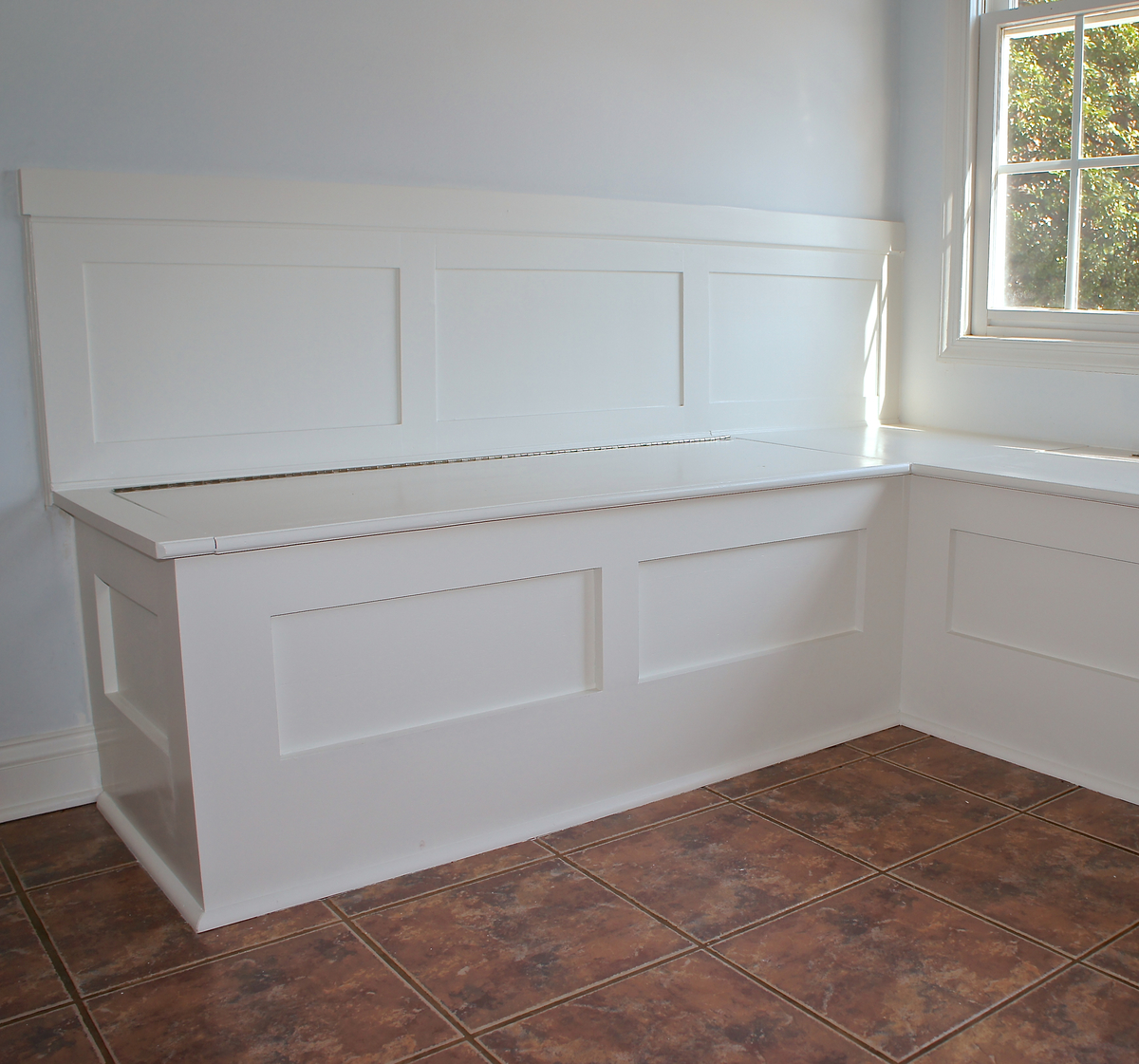 Ana White | Built In Storage Bench - DIY Projects