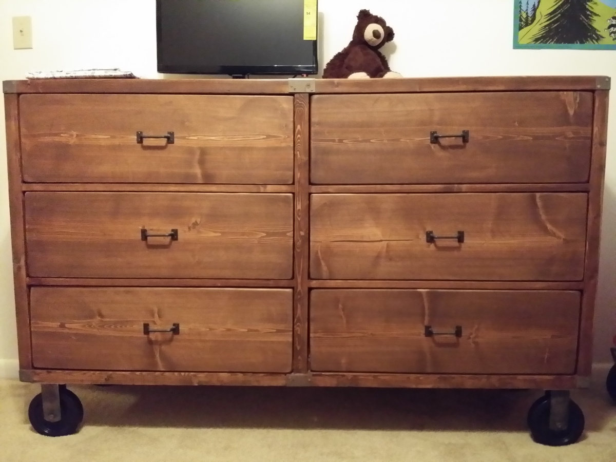 Rustic Dresser And Bedroom Set - DIY Projects