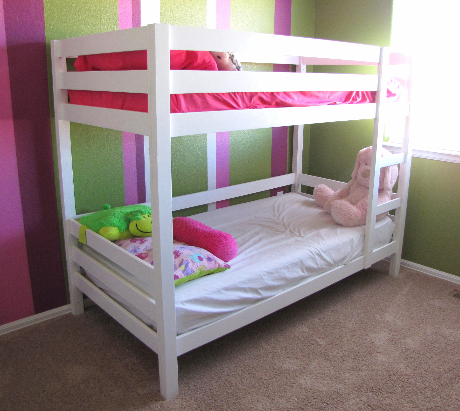 Ana White | Classic Bunk Beds in White - DIY Projects