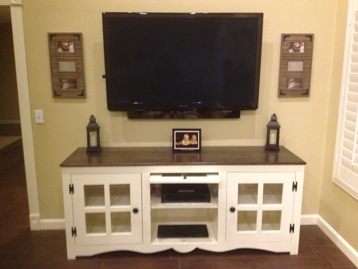 Ana White | Farmhouse Media Console - DIY Projects