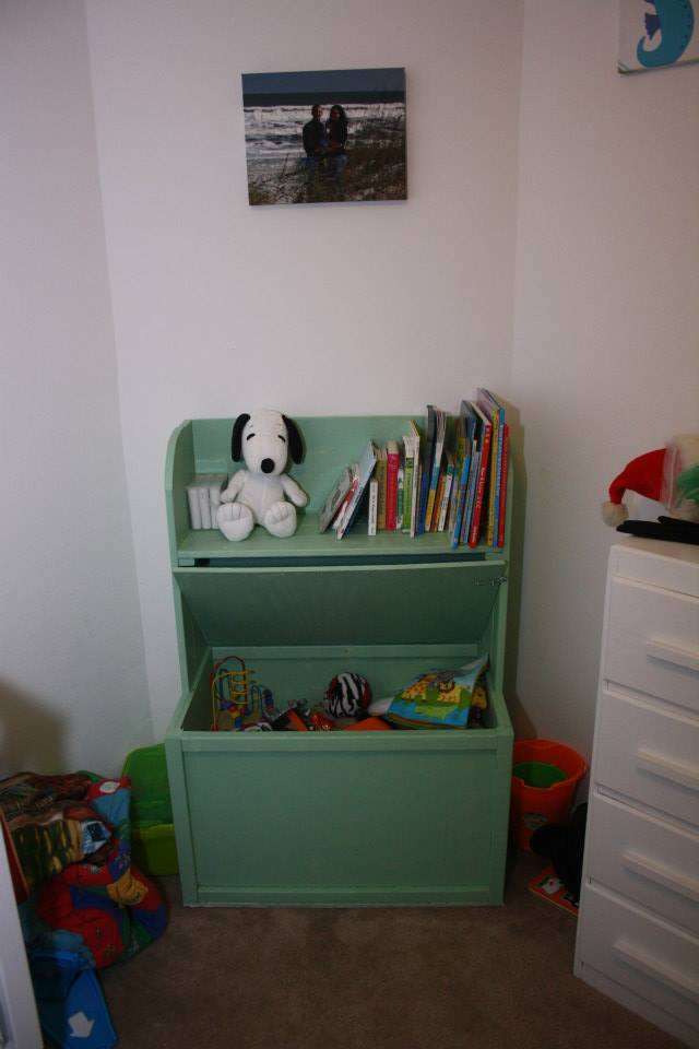 Ana White | Toybox with shelf - DIY Projects