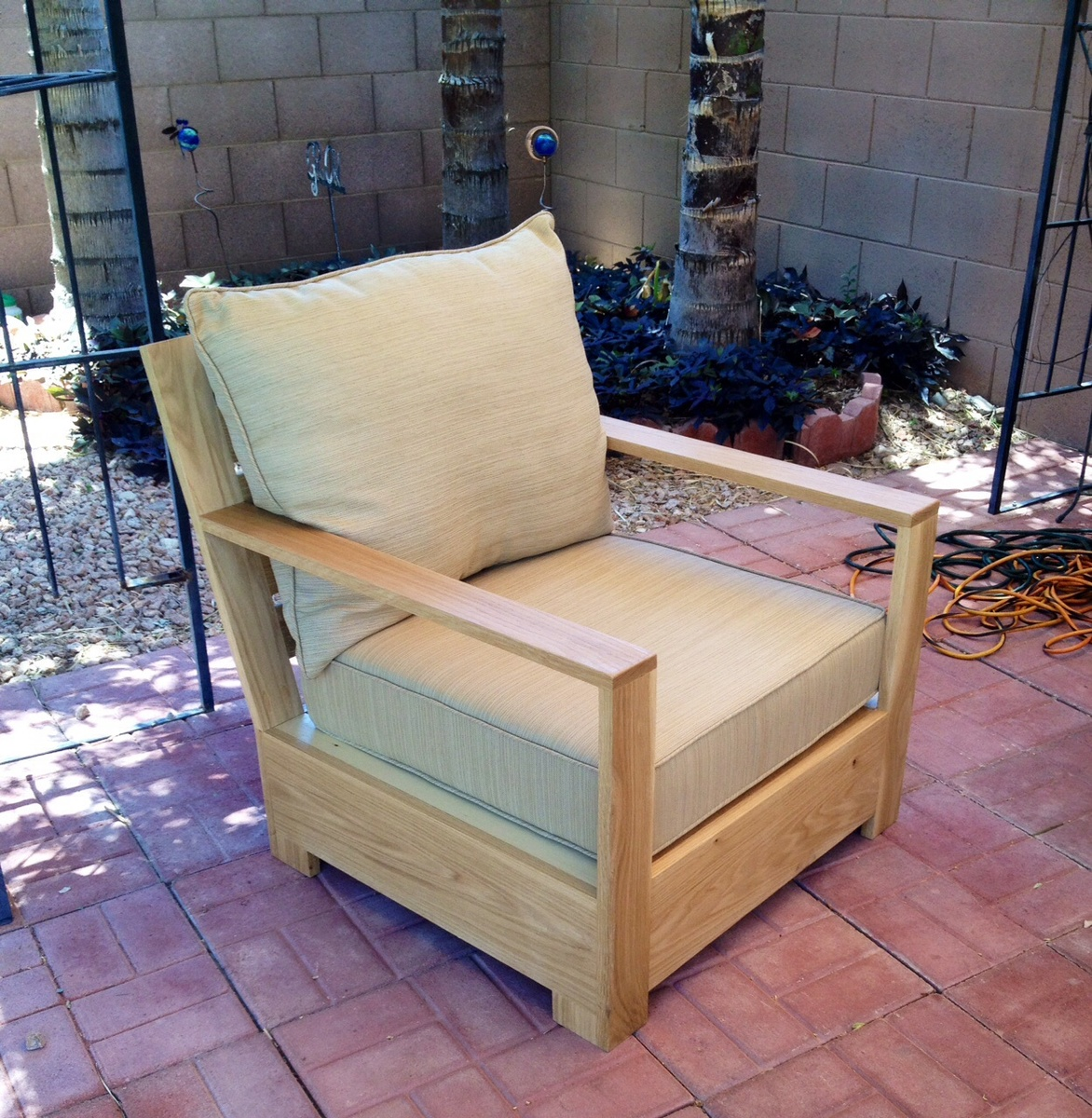 How to build a outdoor lounge chair chair design ideas - Diy balkonmobel ...