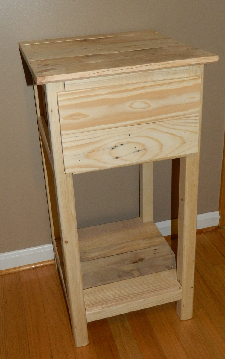 Ana White Pallet Nightstand Diy Projects