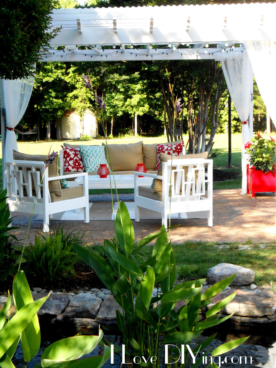 Pergola And Outdoor Furniture