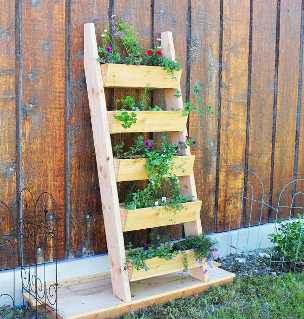 Ana White Cedar Vertical Tiered Ladder Garden Planter
