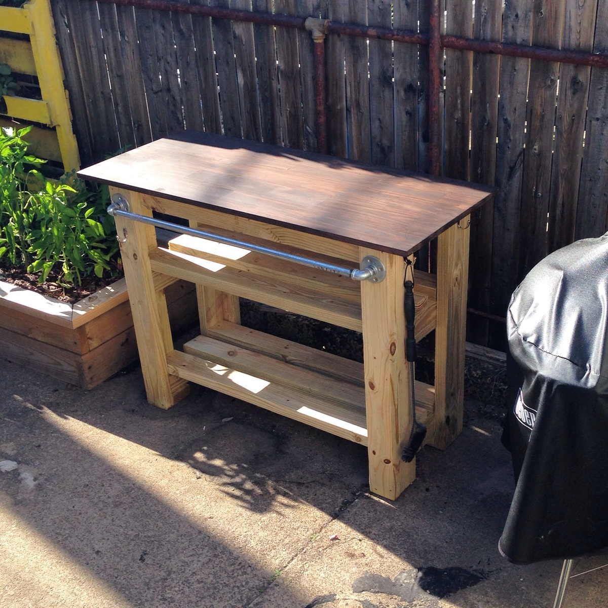 30 Outdoor Kitchens And Grilling Stations: Grill Station - DIY Projects
