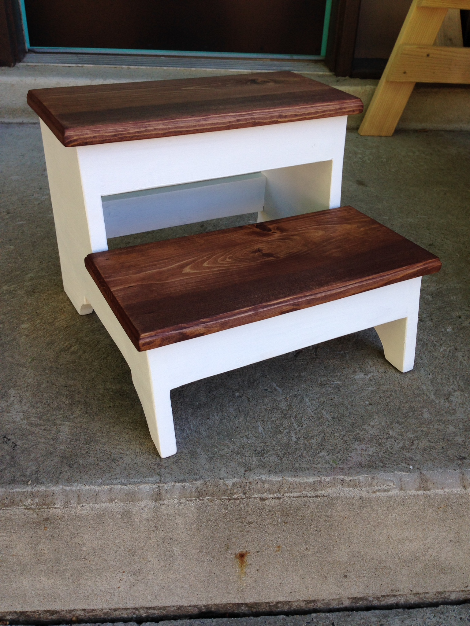Wooden Step Stool Bedside: Step Stool - DIY Projects
