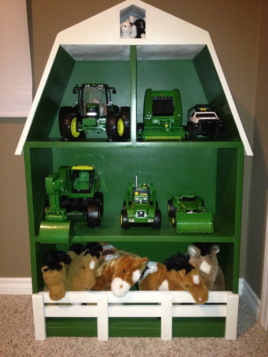 John Deere Tractor Playhouse Plans : Ana white john deere green barn shelf diy projects