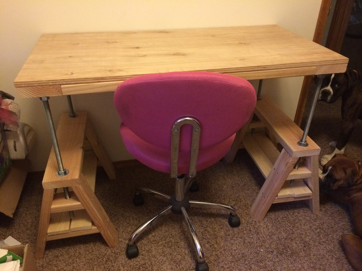 Adjustable Sawhorse Craft Table